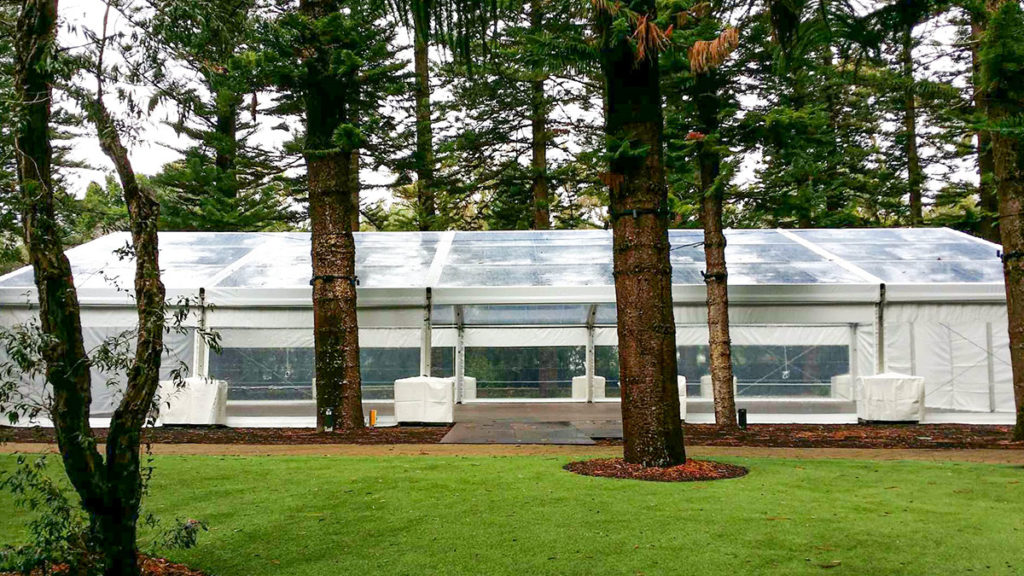 15m-Marquee-With-Clear-Roof-02