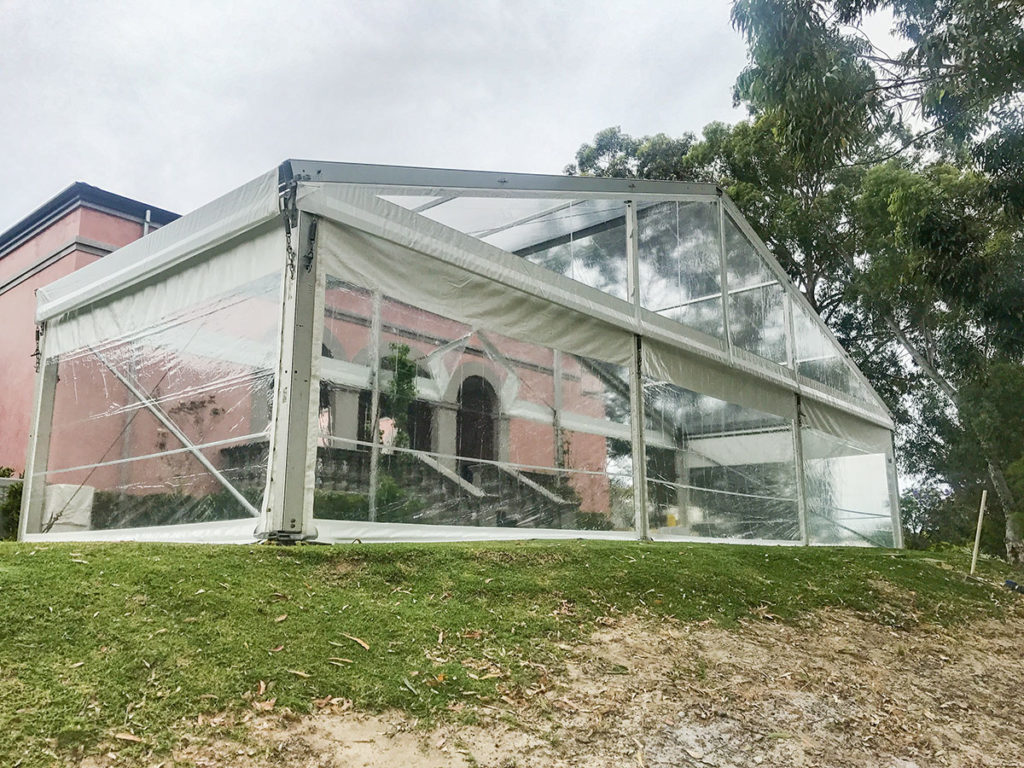15m-Marquee-With-Clear-Roof03