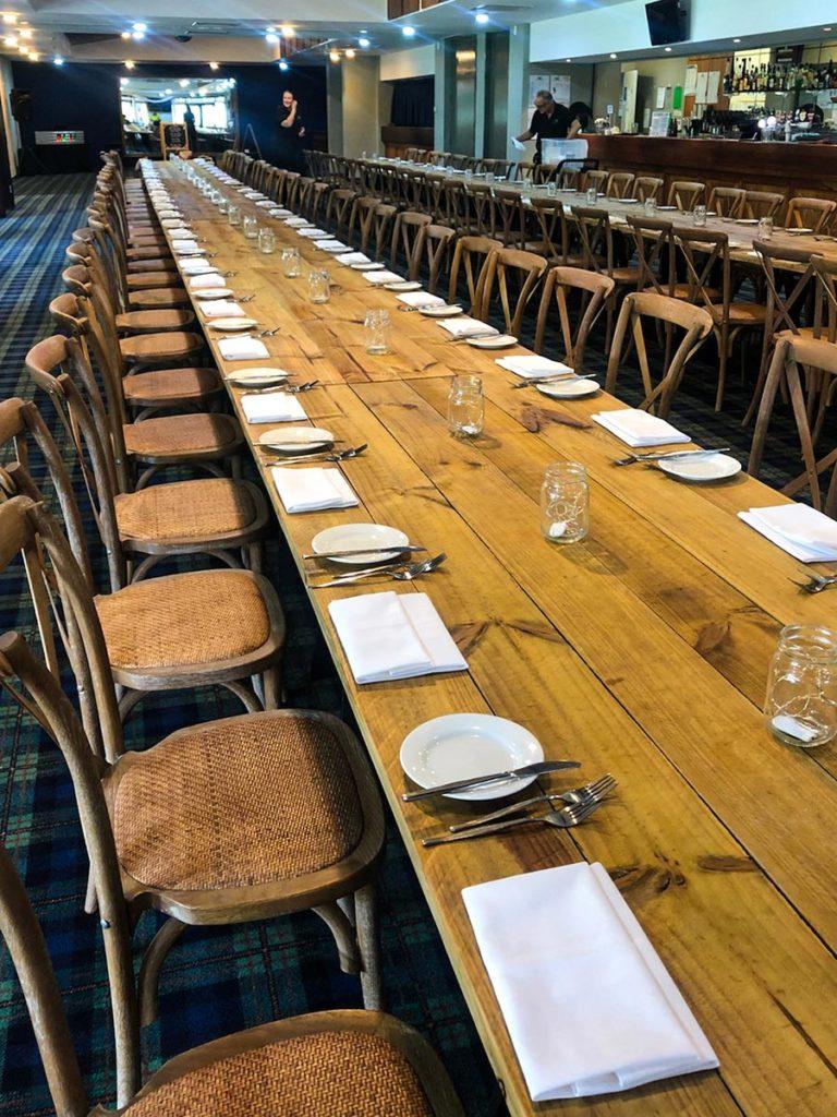 Banquet-Tables